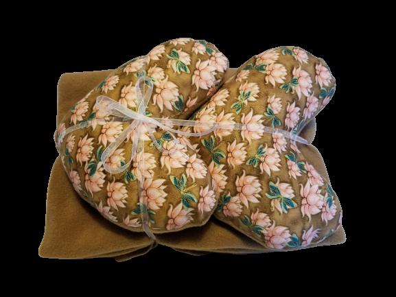 Lotus Pillow & Blanket Set